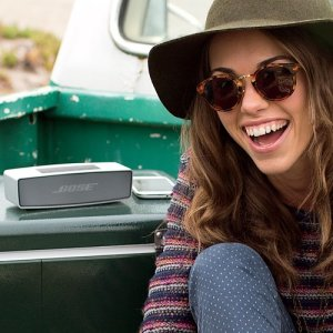 Bose-SoundLink-Mini-Bluetooth-Speaker-0-3
