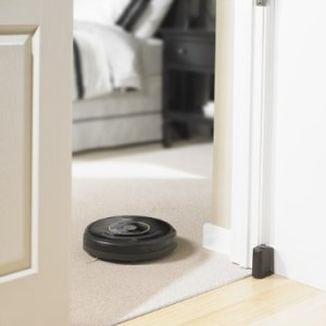 iRobot-Roomba-650-Vacuum-Cleaning-Robot-for-Pets-0-3